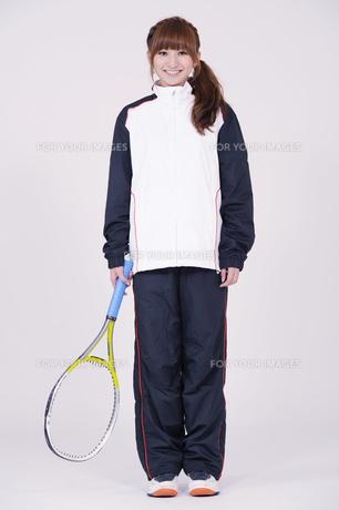 トレーニングウエアを着た女性の写真素材 [FYI00097700]