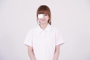 日本人の若い女性の写真素材 [FYI00097702]