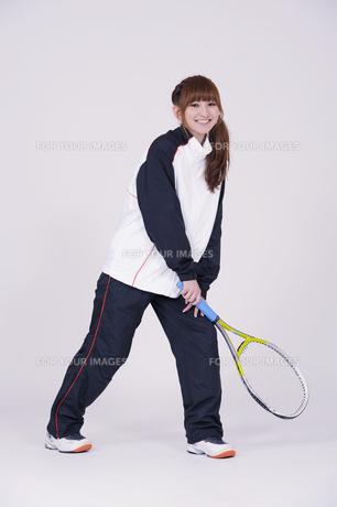 トレーニングウエアを着た女性の写真素材 [FYI00097708]