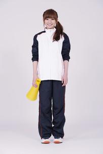 トレーニングウエアを着た女性の写真素材 [FYI00097719]