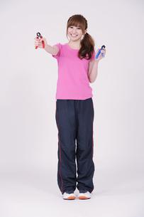 トレーニングウエアを着た女性の写真素材 [FYI00097735]