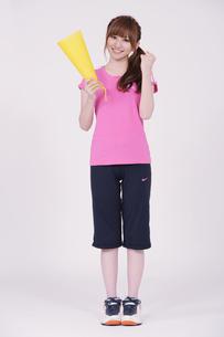 トレーニングウエアを着た女性の写真素材 [FYI00097750]