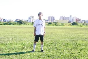 草サッカーの写真素材 [FYI00098441]