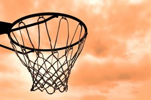 住宅街のバスケットゴールの写真素材 [FYI00098669]