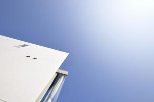 七里ヶ浜の青い空の写真素材 [FYI00098818]