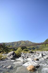 太田切川・こまくさ橋の写真素材 [FYI00098985]