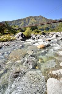 太田切川・こまくさ橋の写真素材 [FYI00099013]