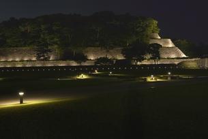 金沢城・石垣ライトアップの写真素材 [FYI00099061]