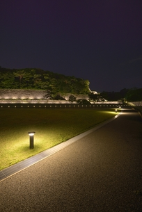 金沢城・石垣ライトアップの写真素材 [FYI00099070]