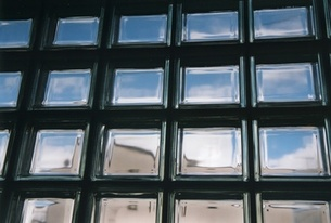 沢山の空窓の写真素材 [FYI00099094]