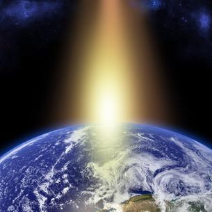 地球の夜明けの写真素材 [FYI00099237]
