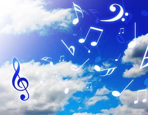 青空と音楽の写真素材 [FYI00099482]