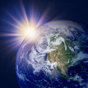 地球の夜明けの写真素材 [FYI00099607]