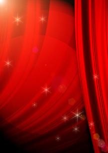 赤いカーテンの写真素材 [FYI00099848]