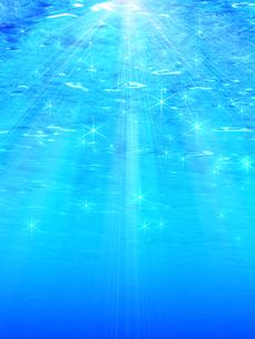 水中に射し込む光の写真素材 [FYI00099882]