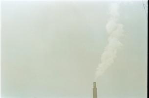 工場の煙の素材 [FYI00100591]