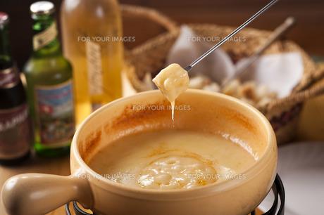 チーズフォンデュの写真素材 [FYI00101429]