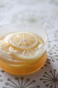 レモンの蜂蜜漬けの写真素材 [FYI00101928]