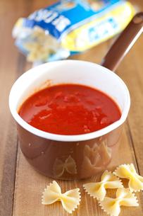 トマトソースとパスタの写真素材 [FYI00102050]