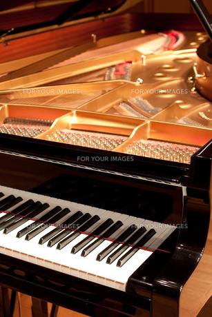 グランドピアノの写真素材 [FYI00102062]