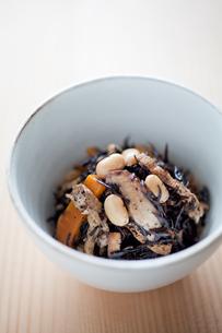 ひじきの煮物の写真素材 [FYI00102177]
