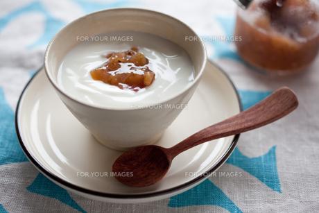 朝食のヨーグルトの写真素材 [FYI00102367]