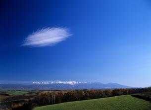 丘と雲の素材 [FYI00103307]