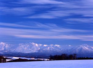 冬空と山脈の素材 [FYI00103344]