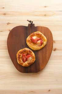 手作りリンゴのデニッシュパンの素材 [FYI00103701]