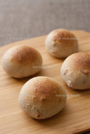 手作りまるパンの写真素材 [FYI00103710]