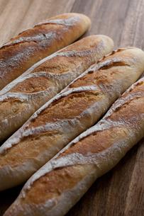 自家製のフランスパンの写真素材 [FYI00103724]