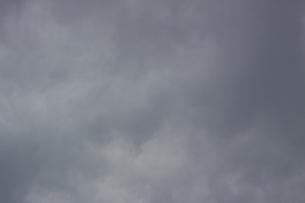 どんよりした曇り空の写真素材 [FYI00103728]