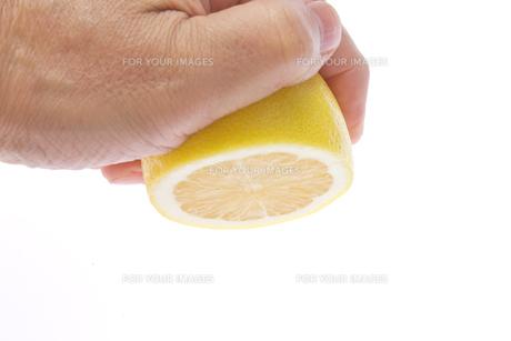 レモンを絞るの素材 [FYI00104224]