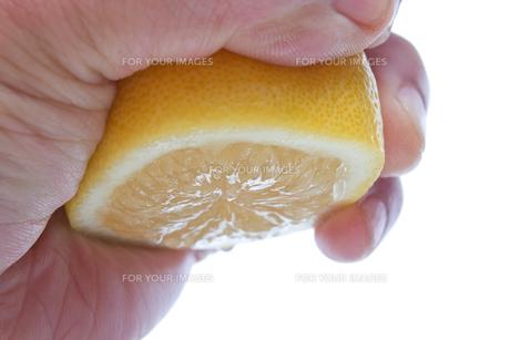 レモンを絞るの素材 [FYI00104237]