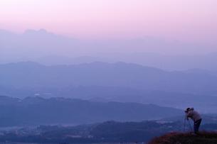 日の出撮影の写真素材 [FYI00105811]