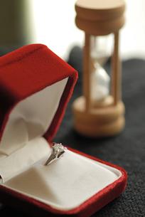 婚約指輪の写真素材 [FYI00105816]