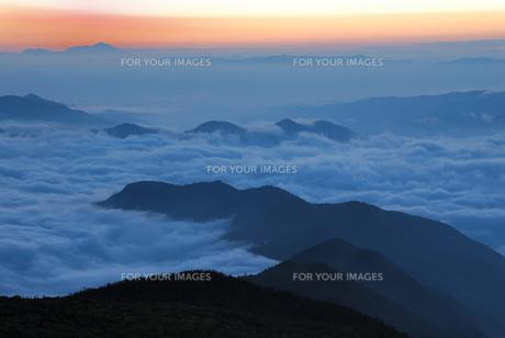 北アルプス雲海の写真素材 [FYI00105848]
