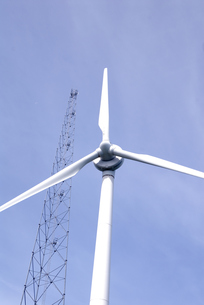 風力発電の風車の写真素材 [FYI00105940]