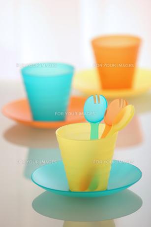 カラフルな食器の写真素材 [FYI00106490]