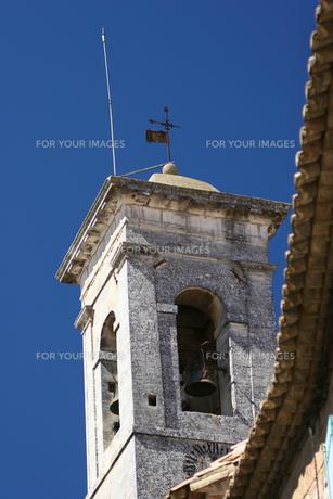 プロヴァンスの教会の鐘の写真素材 [FYI00106623]