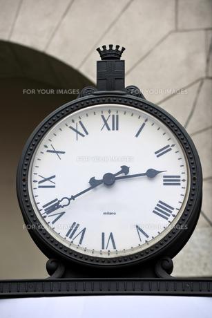 ミラノの時計の写真素材 [FYI00106675]