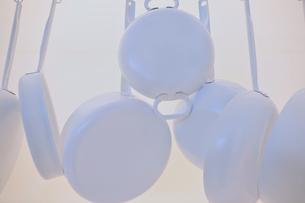白いフライパンの写真素材 [FYI00106683]