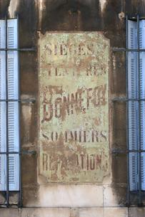 プロヴァンスの古い壁の写真素材 [FYI00106701]