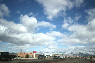 インディアンの町と青空の写真素材 [FYI00106734]