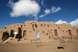 インディアンの聖地タオスプエブロの写真素材 [FYI00106748]
