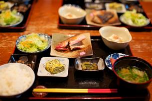 沖縄の伝統的な朝食の写真素材 [FYI00106903]