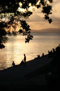 竹富島西桟橋の夕日の写真素材 [FYI00107030]