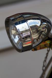 古い自転車のランプの写真素材 [FYI00107100]
