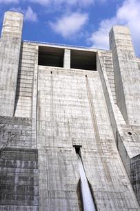 神戸の石井ダムの写真素材 [FYI00107183]