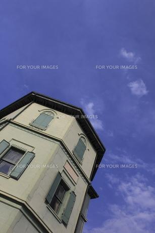 移情閣と青空の写真素材 [FYI00107803]